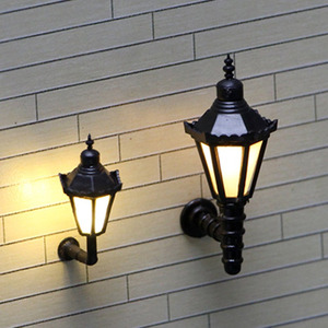 5pcs Delicated 1:200 N Scale Railway Model 3V LED Lamppost Lamps Wall Lights
