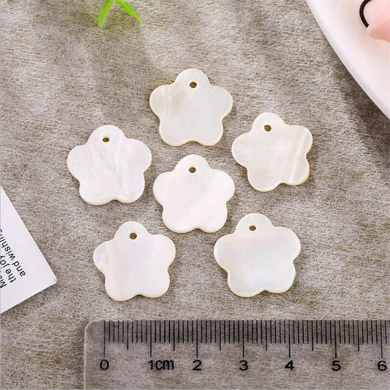 10 pz/lotto 18 millimetri di fascini del fiore bianco d'acqua dolce naturale sea shell perle di creazione di gioielli FAI DA TE perline per orecchini collana accessori