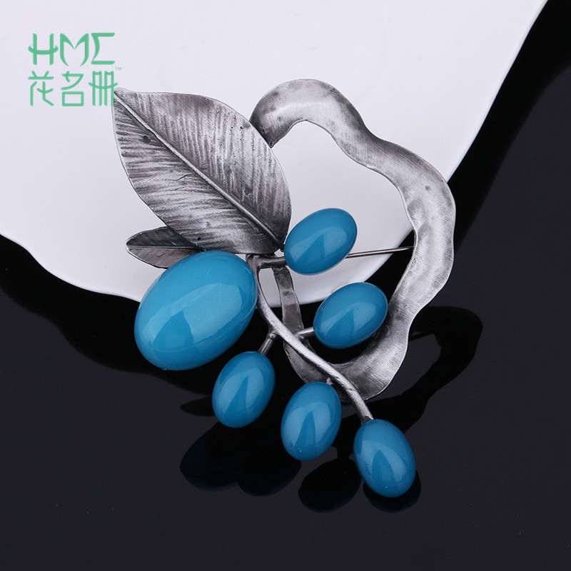 European and The United State Style Female Fashion Trendy Jewelry Leaves Shape Inlay Alloy Vintage Brooches Four Colors