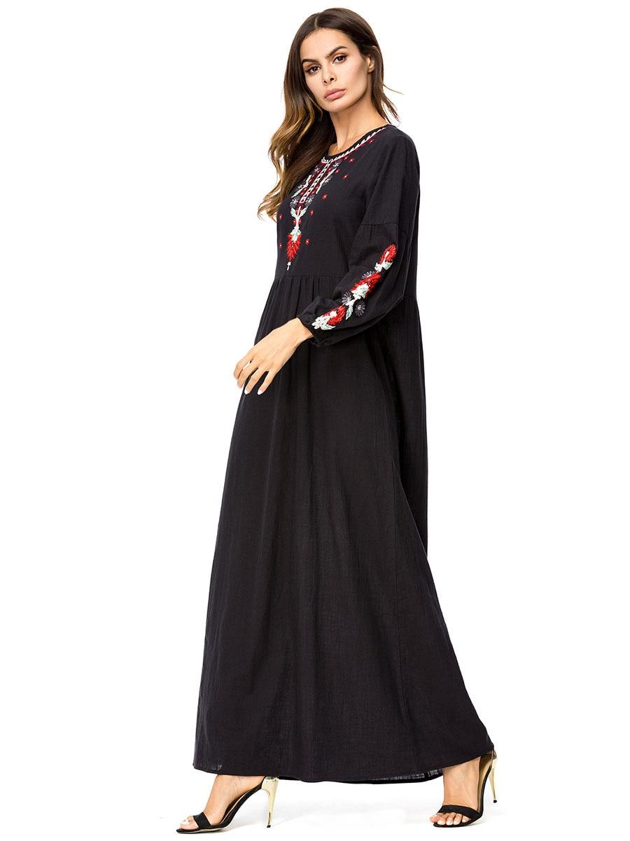 A Musulmano Costumi 4xl 7229 Il Turchia Grandi Dimensioni Oriente Medio Da  Abiti Formato Ricamo Dubai Donne Abaya Maniche ... e1250f474b8
