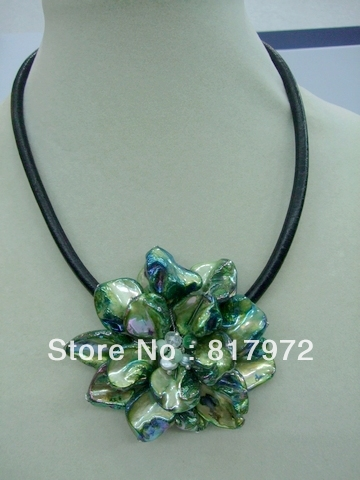 Glamour Handmade shell slice Knit Green Beautiful Flower Bib Pendant Chain Necklace Chunky Hide Rope Gift