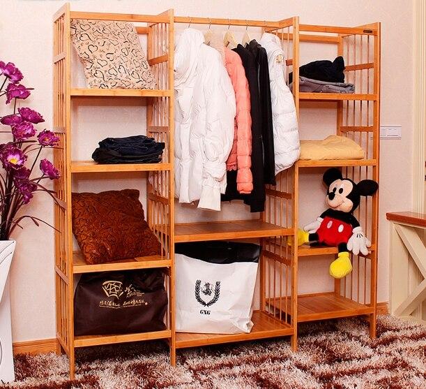 El gran armario espacio ropa estante de exhibición, estante de ...