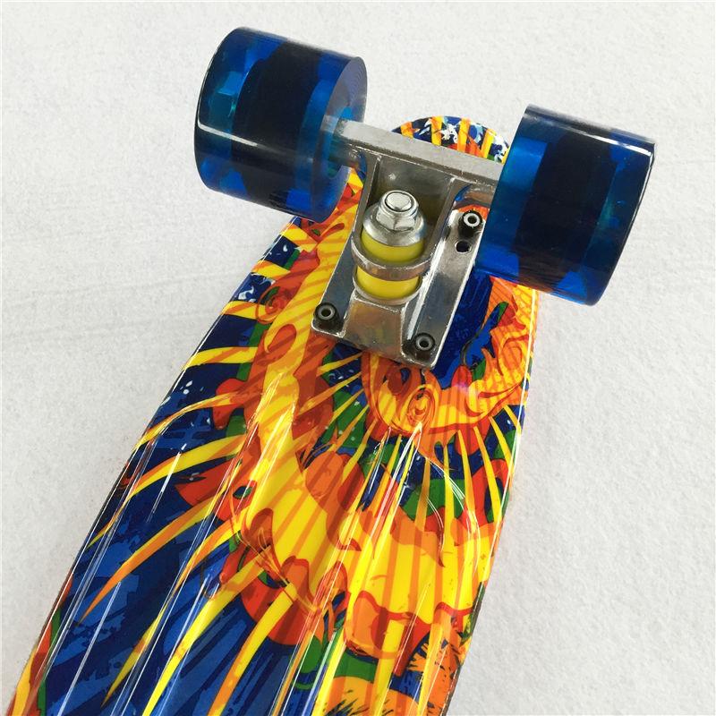 Image 4 - Новая 22 дюймовая Высококачественная уличная доска или доска в виде банана для скейтера, чтобы наслаждаться скейтбордингом с мини ракетной доской-in Скейтборд from Спорт и развлечения