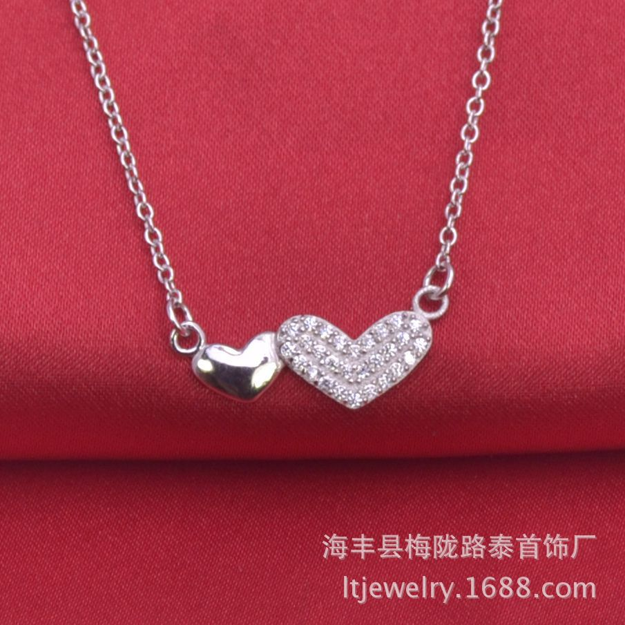 New Fashion Pure Platinum 950 Pendentif Femmes Lucky Pendentif en forme de cœur 1.8-2g
