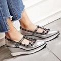 Nova marca de Dedo Apontado Rebite Sapatos de Cunha Mulheres Cinta de Moda Senhoras De Salto Alto 8 cm Sexy Mulheres Sapatos Com saltos