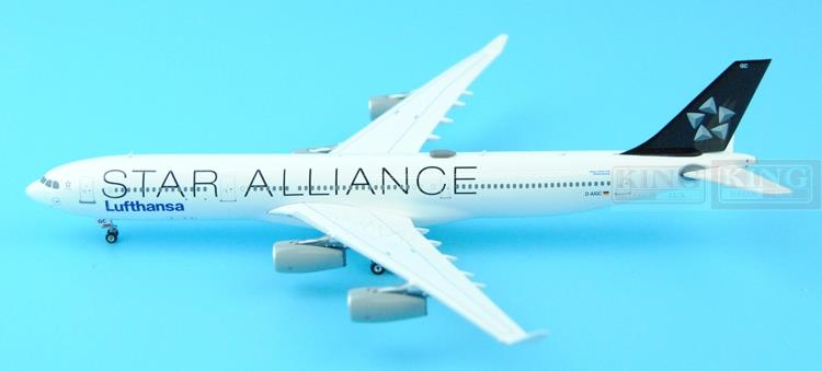 Phoenix 04032 Lufthansa A340-300 D-AIGC Star Alliance 1:400 commercial jetliners plane model hobby new phoenix 11207 b777 300er pk gii 1 400 skyteam aviation indonesia commercial jetliners plane model hobby