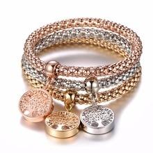 Conjunto de três pulseiras com pendente árvore da vida e outros