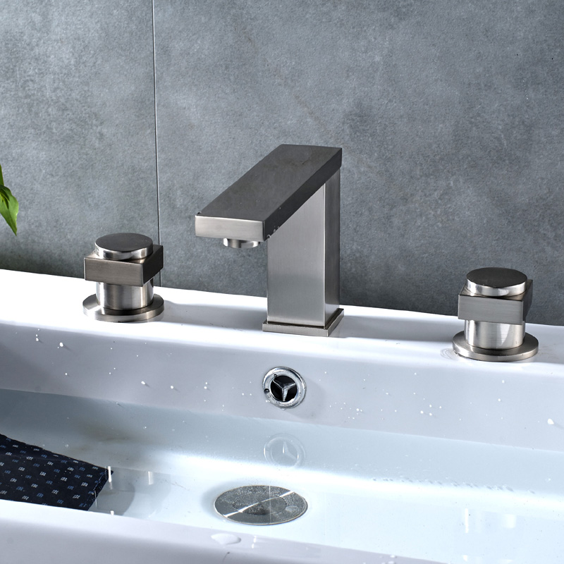 Wholesale and Retail Bathtub Faucet Three piece Three hole ...