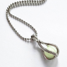 Fashion Hollowed Spiral Luminous Artificial Gems Water Drop Necklace Elegant Open-able Pendant