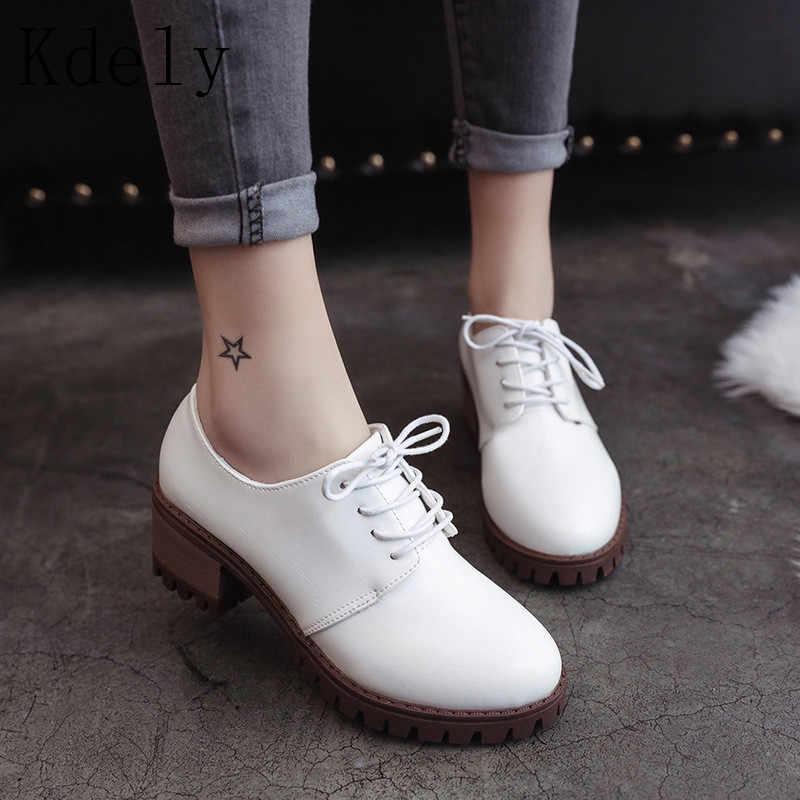 Kadın Ayak Bileği Martin Çizmeler 2019 Sonbahar kadın ayakkabısı Kadın İngiliz Çizmeler Moda Platformu Yuvarlak Ayak dantel kadar Rahat