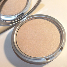 New Profeesional makeup Highlight Shimmer Face Pressed Powder Foundation Palette Cosmetic M01582