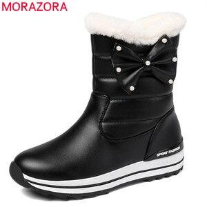 Image 1 - MORAZORA 2020 جديد وصول النساء حذاء من الجلد مقاوم للماء عدم الانزلاق الثلوج الأحذية الدفء بسيطة أحذية الشتاء غير رسمية امرأة حذاء مسطح