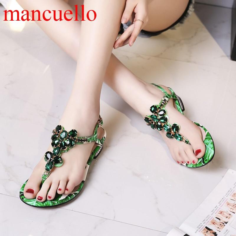 цена  Girl's Summer Gem Rhinestone T-Strap Clip Toe Sandals Floral Printed Leather Low Heels Beauty Bling Crystal Sandals  for Ladies  онлайн в 2017 году
