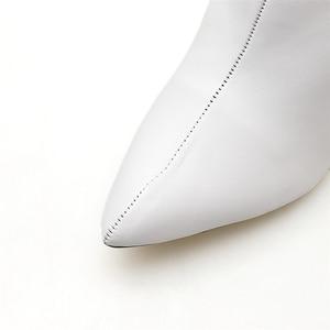 Image 3 - 2020 אופנה יוקרה נשים 10.5cm גבוהה עקבים פטיש גרב מגפי עור בלוק לבן עקבים קרסול מגפי Scarpins שמנמן נעליים YMN 36