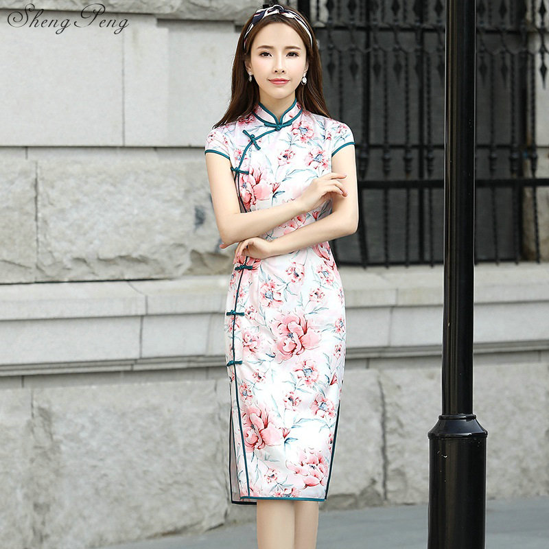 ba323cc99dc 2018 New arrival elegant print summer cheongsam oriental silk dress modern  chinese cheongsam dresses for women V716-in Cheongsams from Novelty    Special Use ...