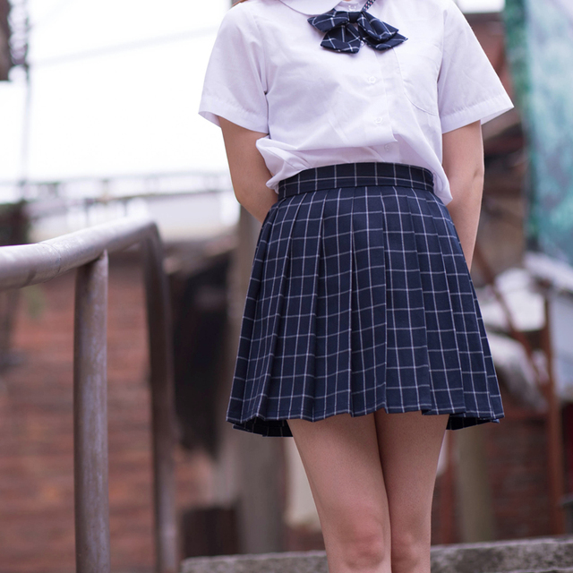 bdbbb4b097 Navy blue/Gray classical Grid pleated skirts Japanese school Girls student  high waist plaid pleated skirt Cosplay school uniform