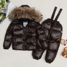 Новый стиль зимой детская одежда/детские вниз snowsuit комплект/девочка мех енота куртка/зимние куртки мальчиков