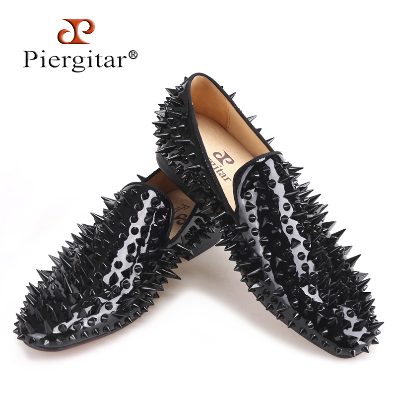 Piergitar 2018 new black patent leather men handmade shoes with different shapes of spikes Fashion Party men loafers men's flats