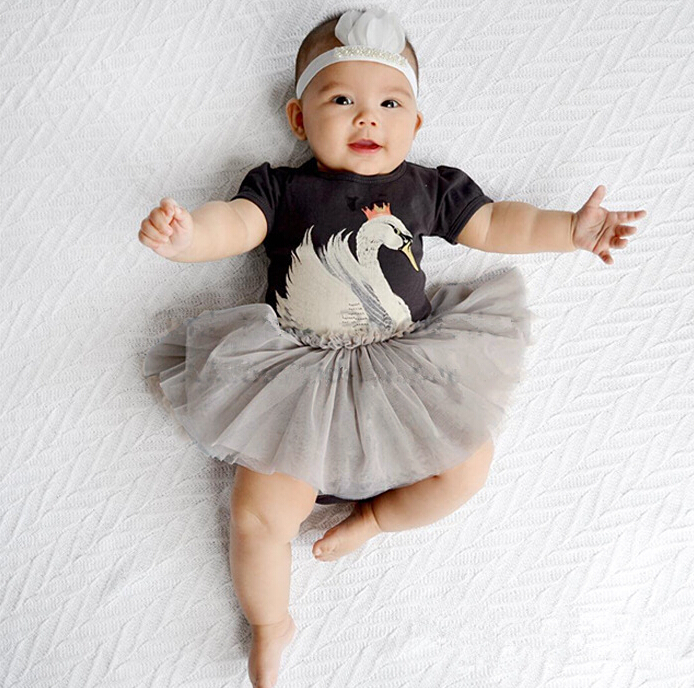 2fb8897014f Niño princesa Vestidos niños Niñas acoplamiento del algodón del verano ropa  bebé ganso animal carácter patchwork ropa 4 unids lote