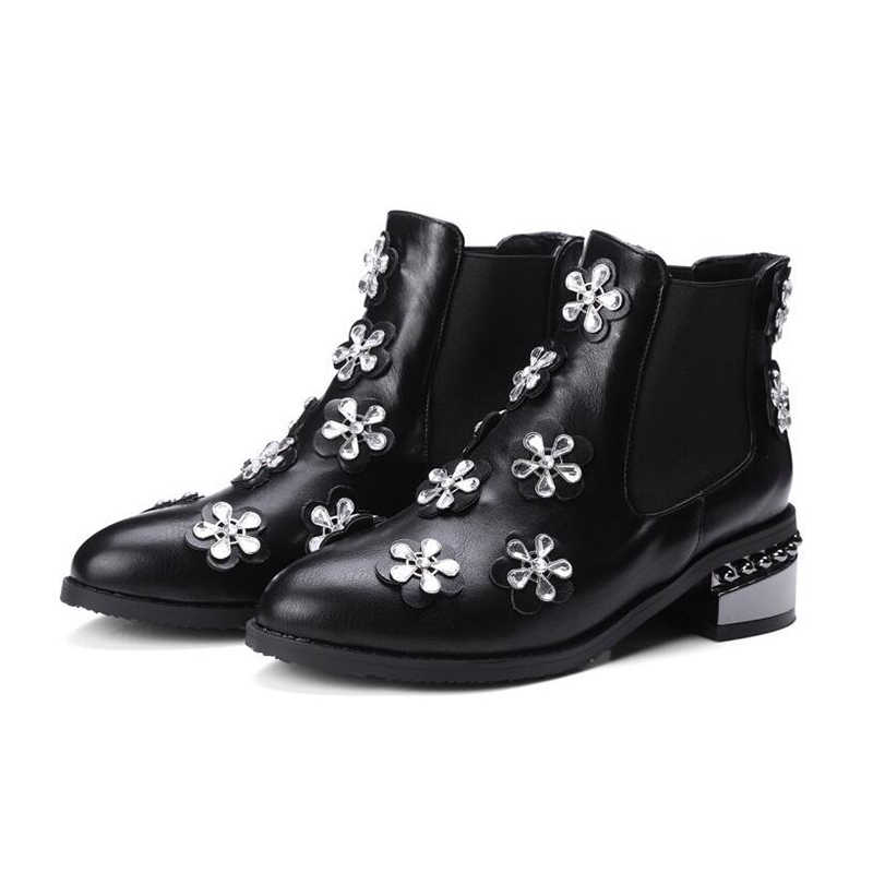 Plus siz 34-43 Women Boots Three-dimensional flowers  Boots Women Ankle Fur Boots Brand Winter Chelsea Women Shoes k77