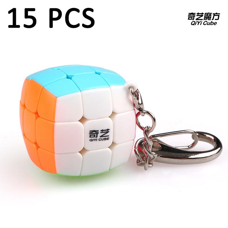 15 pcs QiYi 30mm Porte-clés Cubo magico 3x3x3 Magic cube Vitesse Lisse Puzzle cube Éducation jouet Pour Enfants Classique Jouets Neo Cube