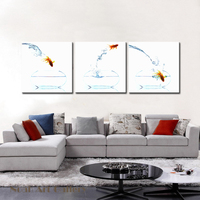 Small Goldfish Jumping Water Spray High Definition Canvas Photo Print Modern Art For Home Decoration Kitchen