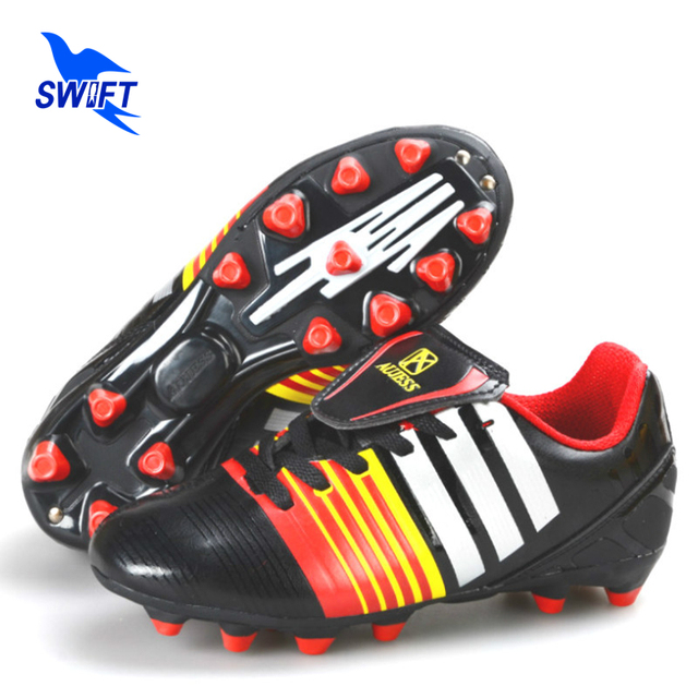 2017 New Style Kids FG Soccer Cleats Size 32-39 Children AG Football Boots Cheap Women Futsal Shoes 2 Colors Sports Sneakers