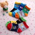 Carta Bebé Calcetines 2016 Niños Corto Calcetín Calcetín Infantil Calcetines de Fútbol de La Manera Caliente de Espesor Niños de Algodón de Invierno Ropa de Los Niños