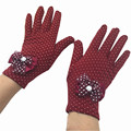 Fashion Winter Ladies Guantes Lace Diamond Butterfly Knot Gloves Female Warm White Dot Luvas Feminino Glove Wrist Mittens G039