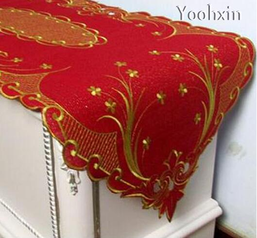 Amazing Fashion Satin Red Table Runner Cloth Cover Towel Embroidery Lace Velvet Tea  Bed Tablecloth Mantel Christmas