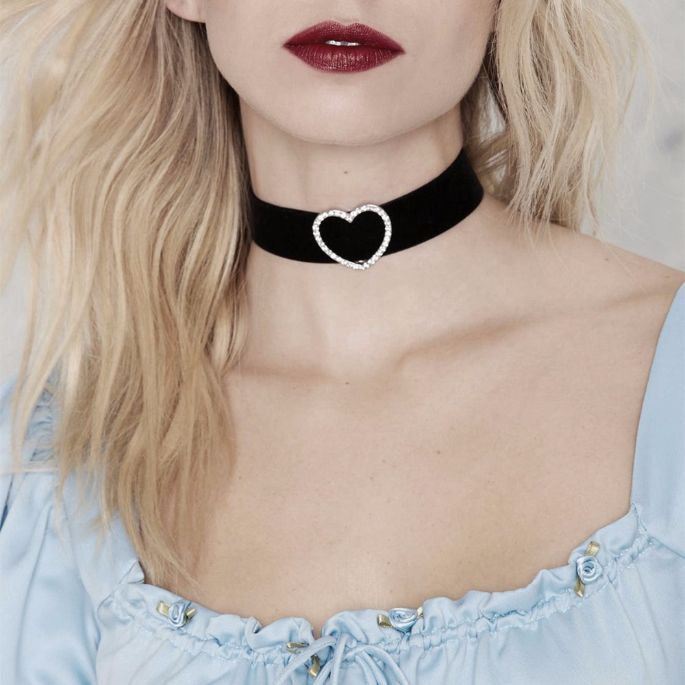 gothic black wide velvet choker necklace cute love heart crystal chocker short necklace for. Black Bedroom Furniture Sets. Home Design Ideas