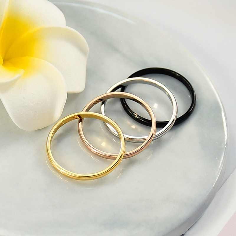 Simple 2 มม. ไทเทเนียมเหล็ก 4 สีคู่แหวนแฟชั่น Rose Gold แหวนเงินสำหรับงานแต่งงานเครื่องประดับ