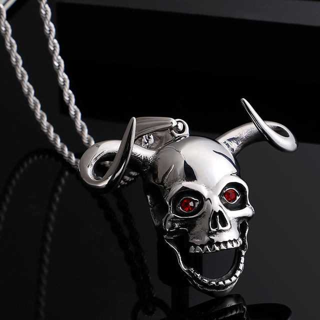 STAINLESS STEEL COW HORN & SKULL HEAD NECKLACE