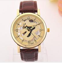2016 Nueva famosa marca de lujo del relogio Reloj Hueco de las mujeres del vestido ocasional relojes hombres relojes de cuarzo reloj de pulsera de Cuero