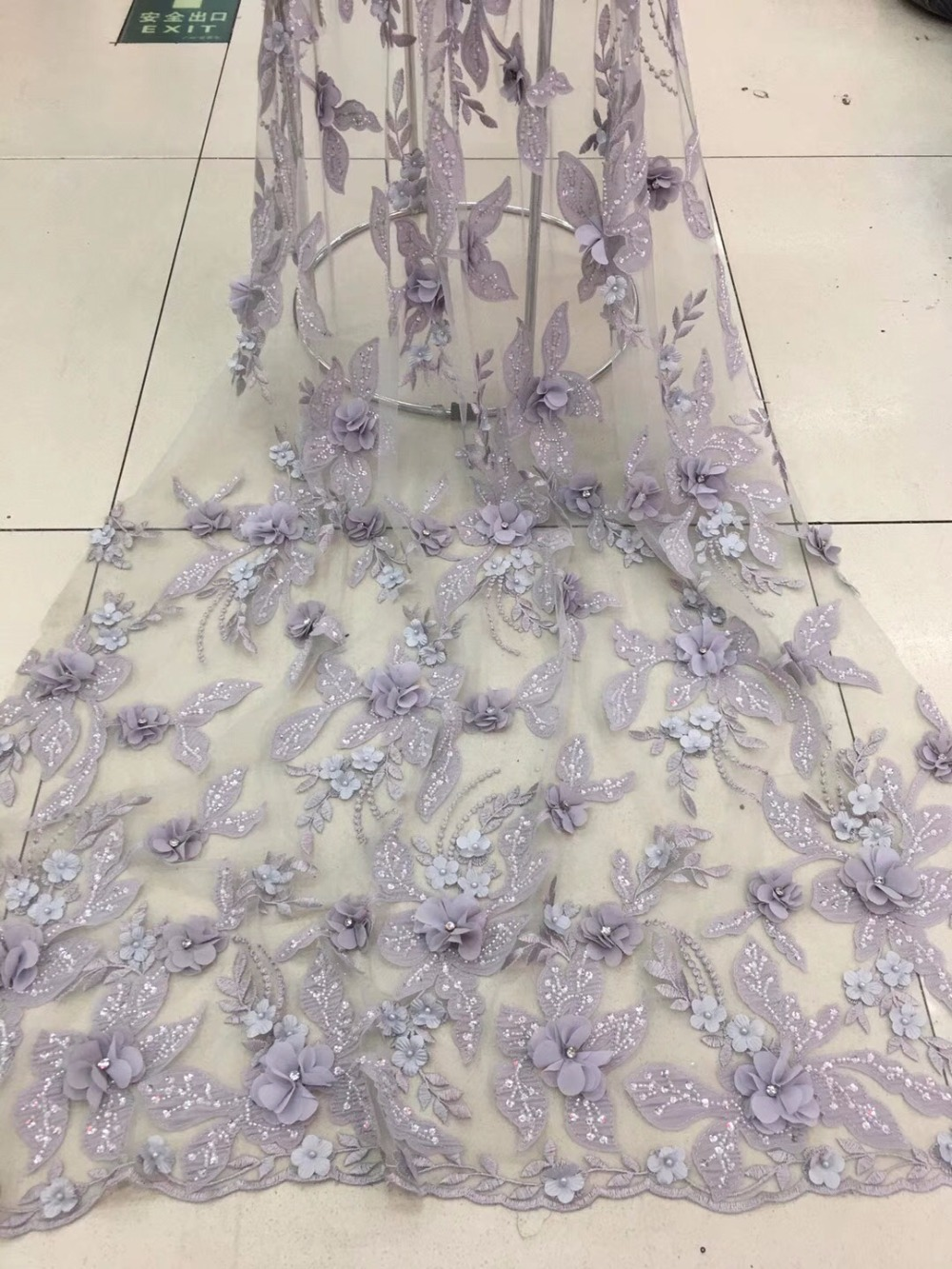 2018 african lace fabric wedding high quality african tulle lace fabric 3 d flowers embroidered tulle lace fabric