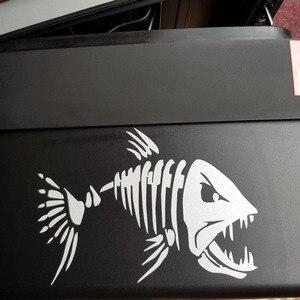 Image 4 - Yjzt 17.8*12.6 cm 미친 물고기 재미 있은 전사 술 창 장식 비닐 스티커 오토바이 액세서리 C4 0750