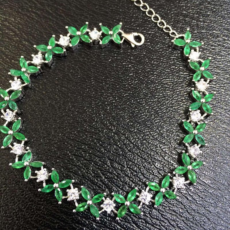 Sale Qi Xuan_Trendy Jewelry_Colombia Green Stone Fashion Bracelets_S925 Solid Silver Green Bracelet_Factory Directly Sales