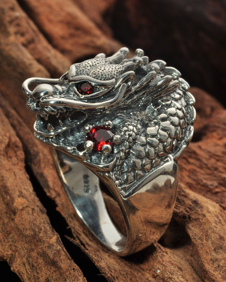 Stunning 925 Sterling Silver Red Eyes Dragon Ring