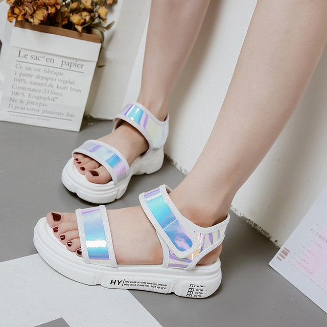 2018 summer new muffin platform sandals female Korean version of the wild flat casual student sandals women's shoes. 3