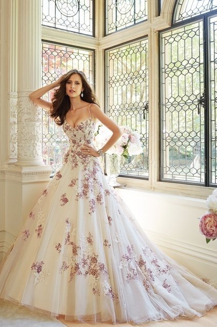 2017 Elegant Wedding Dress Spaghetti