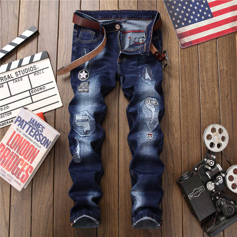 男性穴バッジ刺繍スタイルデニムズボンパンツ 2018 ファッション新メンズカジュアルスリムパッチジーンズドロップシッピング