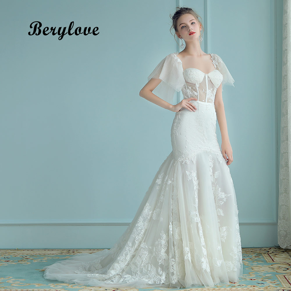 BeryLove See Through Mermaid Wedding Dresses 2018 Long Appliques Lace Wedding Dress With Sleeves China Women Style Wedding Gowns