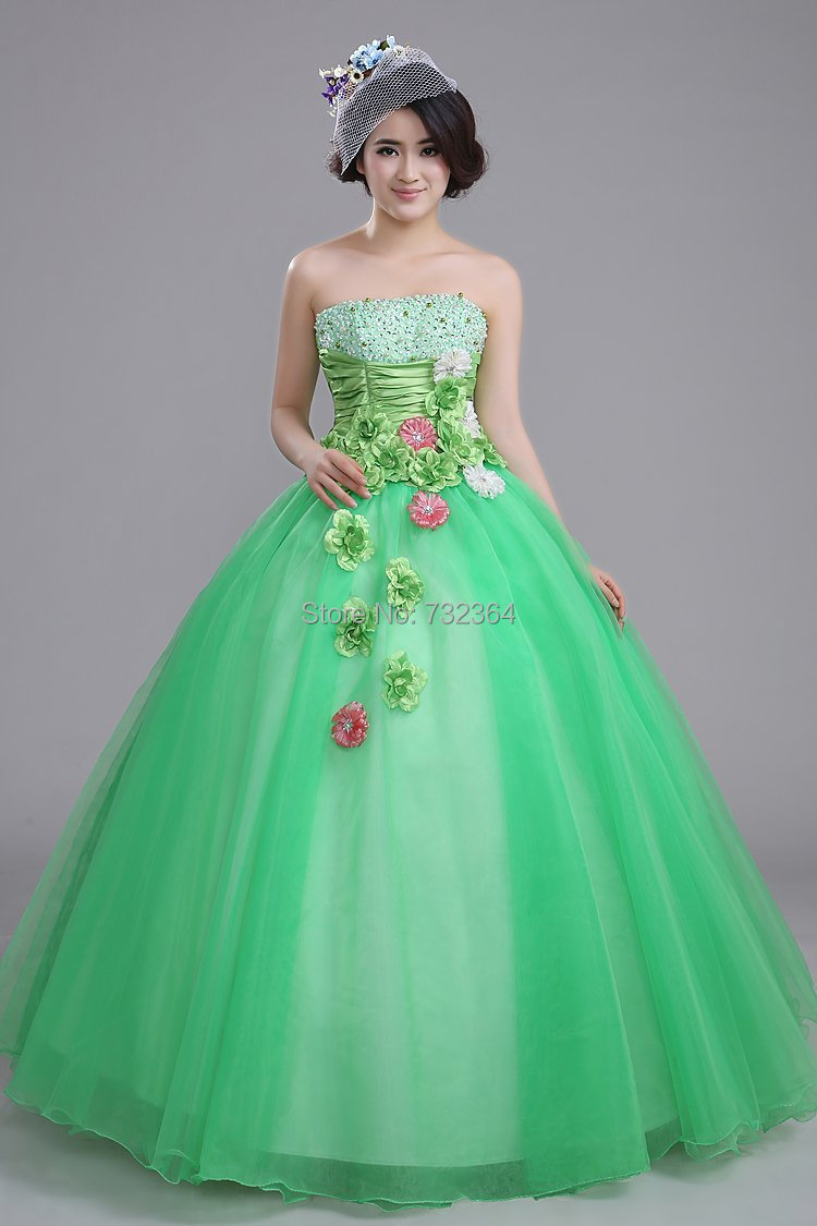 Fine Princesses Gowns Composition - Wedding and flowers ispiration ...