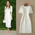 2016 spring and summer in Europe and America star with soluble flowers lace sleeve round neck Slim solid color dress women