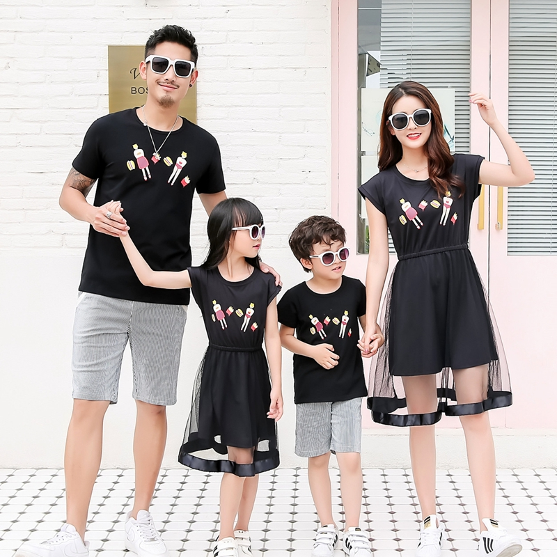 Family Matching Outfits Summer Mom And Daughter Black Mesh Dress Dad Son Matching T-shirt Family Look Matching Couple Outfits