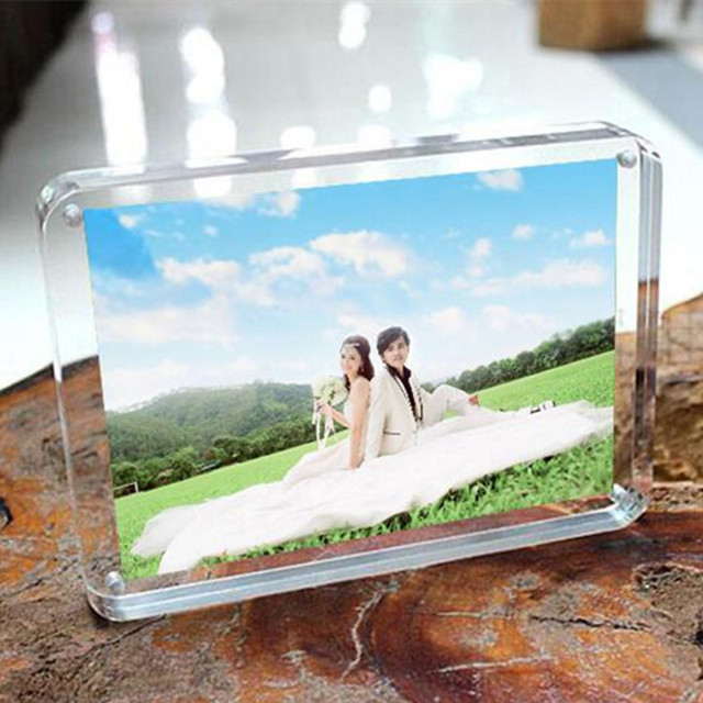 Christmas Gift 1 SET Acrylic Magnet Photo Frame Four Corners Arc Design Creative Crystal Picture Frame Bedroom Deck Decor