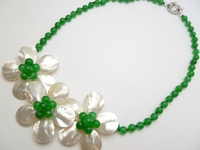 Fashion Jewelry 3 White Mother Pearl Shell Flower Green bead Necklace