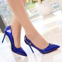 Frauen sexy lackleder blau flach spitz rote untere sohle dünne high heels schuhe calzado scarpe scollate damen pumpen 45
