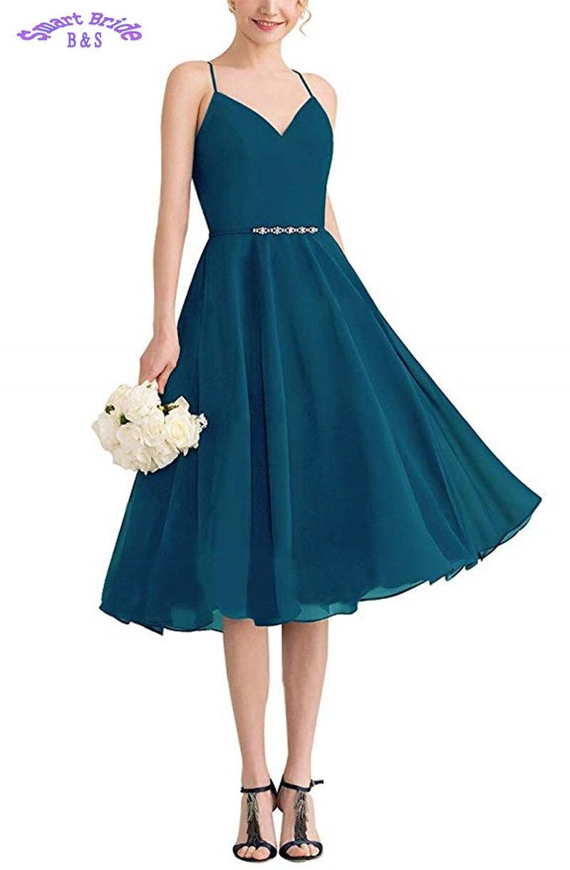 Robes de demoiselle d'honneur courtes perlées 2019 mousseline de soie sarcelle bretelles Spaghetti v-cou dos nu une ligne robe de bal de mariage pour la plage BDV4