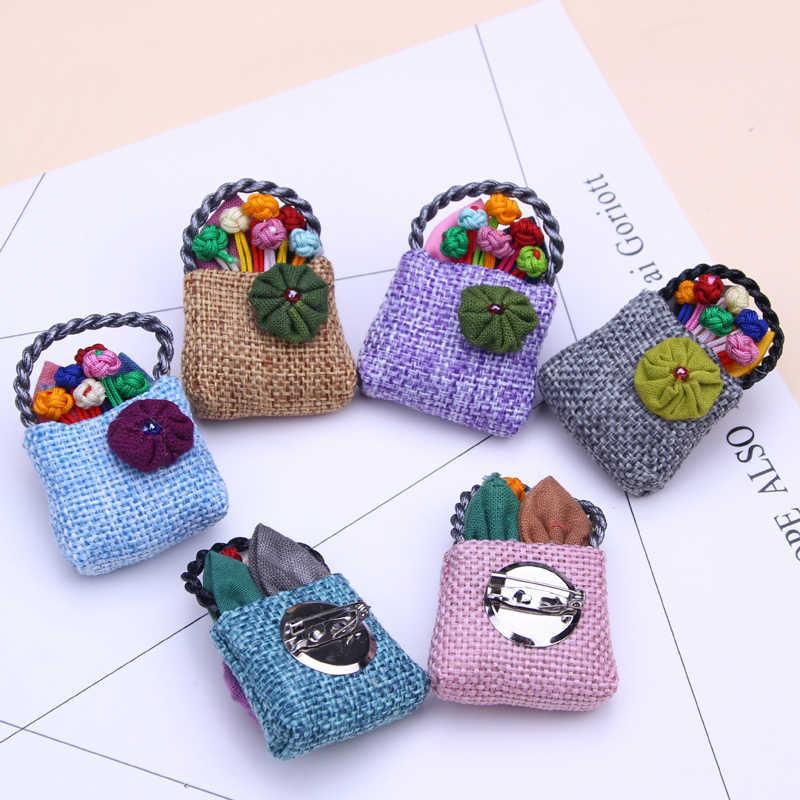 fashion brand knitted flower brooch handmade cute pins and cute brooches for women designer brooch pin jewelry broches mujer